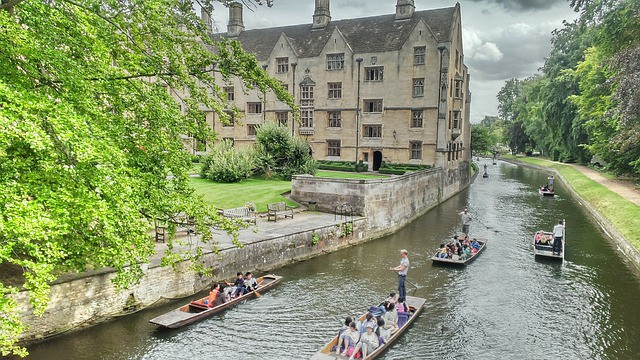 Cambridge hen party destination